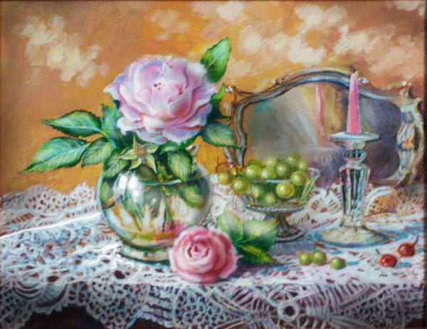 Розы и ажурная скатерть